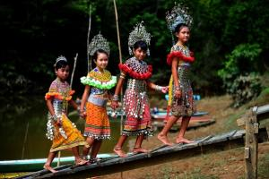 Borneo Excursions Iban tribe